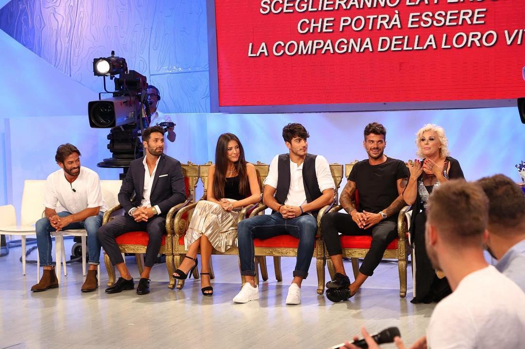 Claudio Sona, la drastica decisione del tronista: duro sfogo sui social