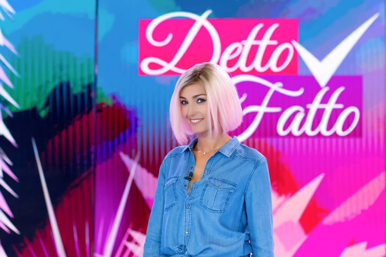 Caterina Balivo, il cambio del look in diretta in omaggio alle campionesse