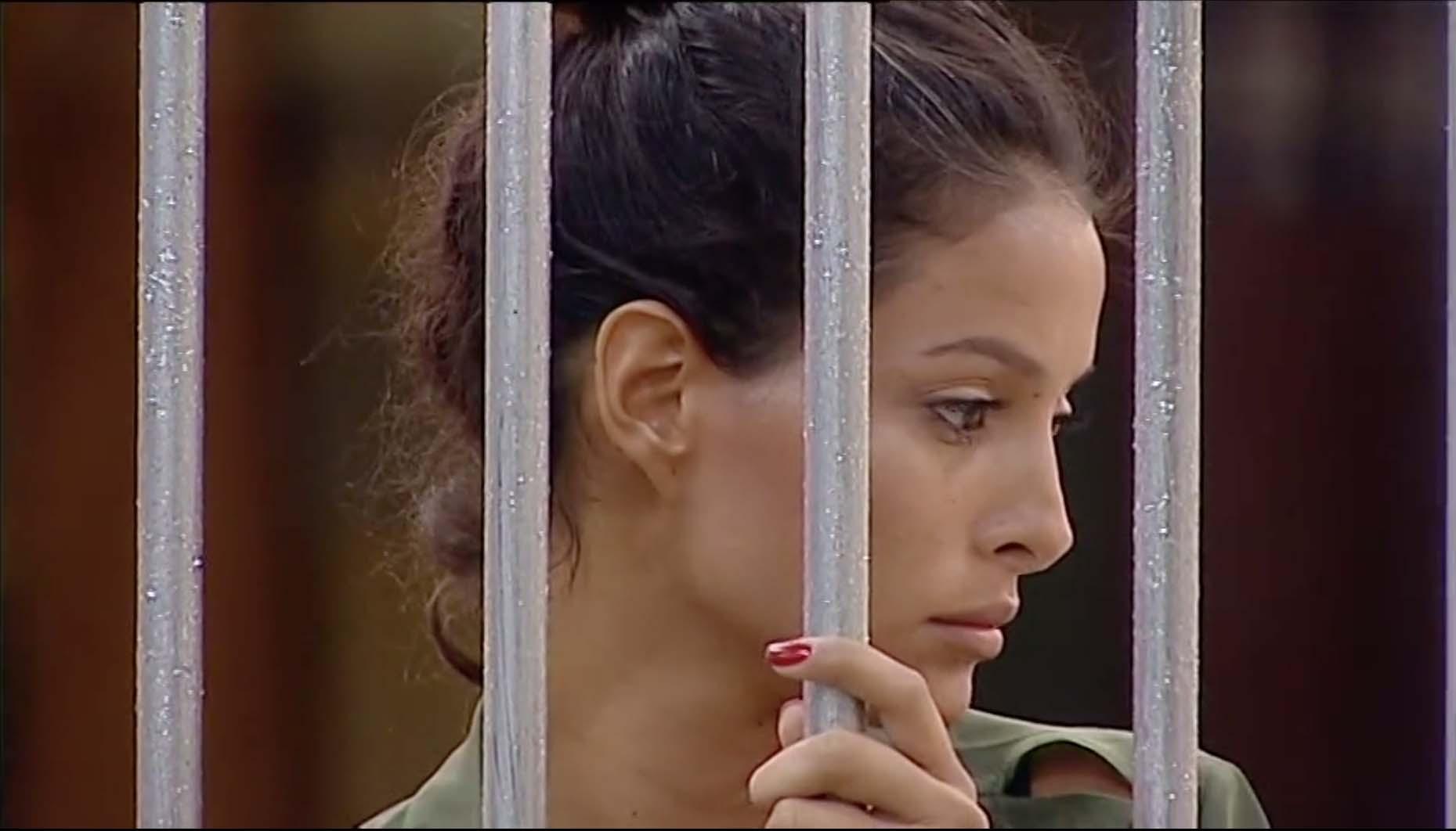 Mariana Rodriguez, notte insonne al GF Vip: Andrea la consola