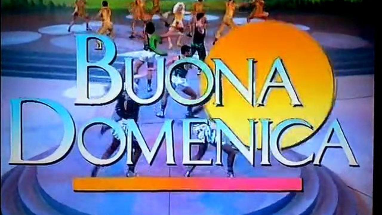 Maurizio Costanzo vuole la domenica pomeriggio di Canale 5: Barbara D'Urso scalzata?