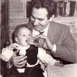 Giucas Casella biografia: età, altezza, peso, figlio, moglie, ipnosi, Instagram e vita privata