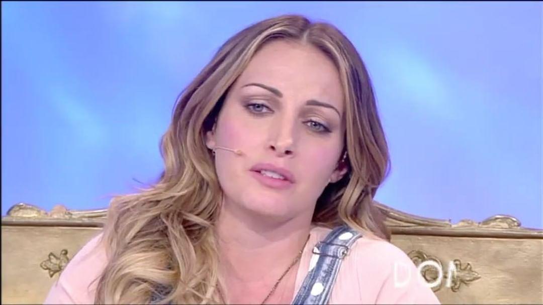 Rossella Intellicato Contro Tina Cipollari Prende 5 Mila Euro Al