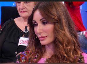 Viviana Vesce del Trono Over scarica Armando Incarnato: