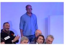 """Piero Sonaglia assistente di Uomini e Donne: """"dietro le quinte con Tina Cipollari, succede di tutto"""""""