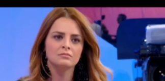 """Roberta Di Padua schiaffeggia Riccardo Guarnieri a Uomini e Donne: """"sono cose che accadono"""""""