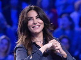 """Sabrila Ferilli parla della sua amicizia con Maria De Filippi: """"rigida e bacchettona"""""""