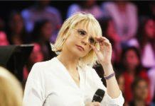 Maria De Filippi lascia la conduzione della trasmissione Amici Vip: ecco chi prenderà il suo posto