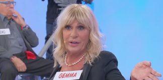 """Tina Cipollari attacca Gemma Galgani a Uomini e Donne: """"donnetta da due soldi"""""""