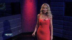 Valeria Marini ancora contro Antonella Elia: