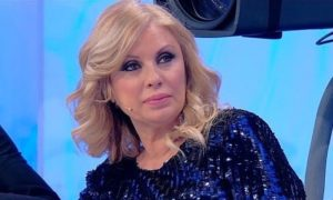 Tina Cipollari critica aspramente Gemma Galgani per il suo comportamento: