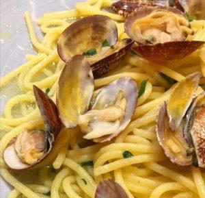 Come fare gli Spaghetti alle Vongole: cosa occorre e procedimento