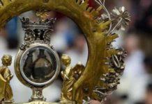 Quante volte all'anno si scioglie il sangue di San Gennaro? cosa significa e cosa succede