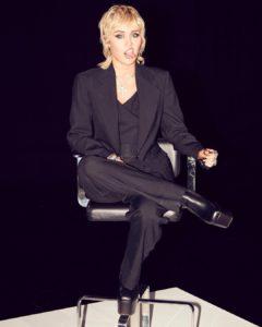 Miley Cyrus biografia: chi è, età, altezza, peso, tatuaggi, figli, marito, Instagram e vita privata